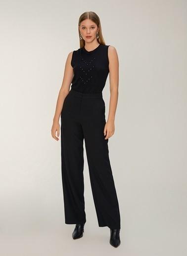 NGSTYLE Kolsuz İnci Detaylı Triko Bluz Siyah